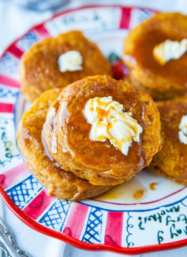 Pumpkin Buttermilk Pancakes with Vanilla Maple Butter