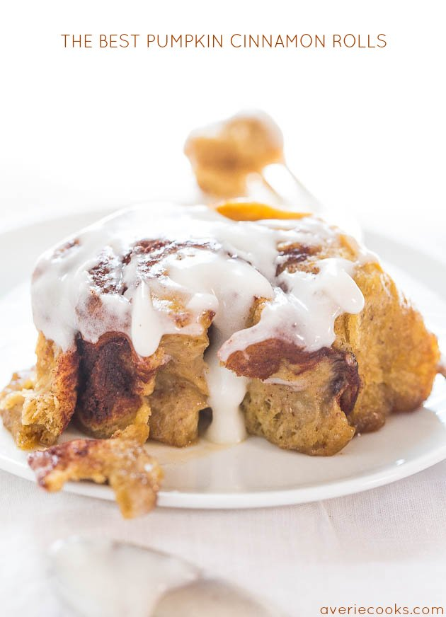 The Best Pumpkin Cinnamon Rolls - Super soft, fluffy, and topped with ...