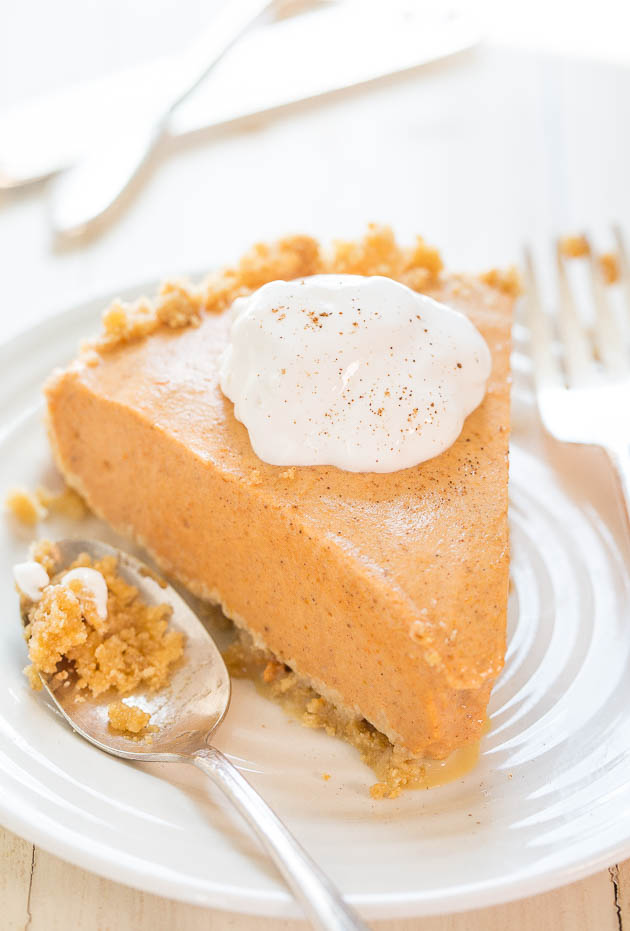 Pumpkin Ice Cream Pie - The easiest pumpkin pie you'll ever make! Put ...