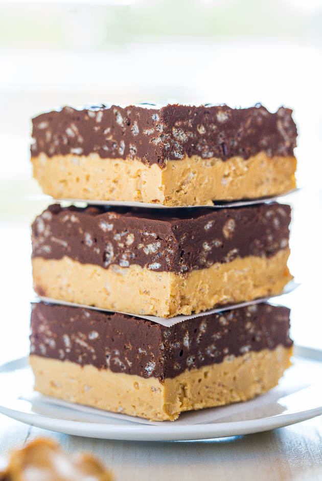 Chocolate Peanut Butter Fudge Bars - Can't decide if you want PB or chocolate? Make these easy no-bake bars! Chocolate + PB is sooo irresistible!!