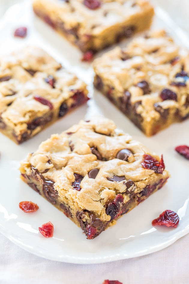 Cranberry Chocolate Chip Blondies | Simple Cranberry Recipes To Make For The Holidays