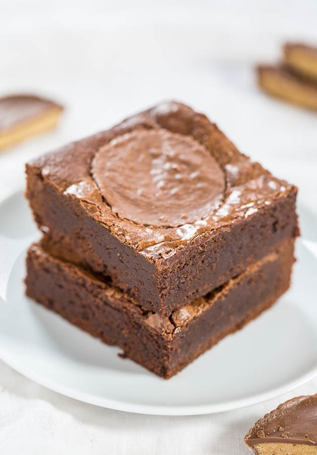Fudgy Peanut Butter Cup Brownies - Easy, one-bowl, no mixer brownies ...