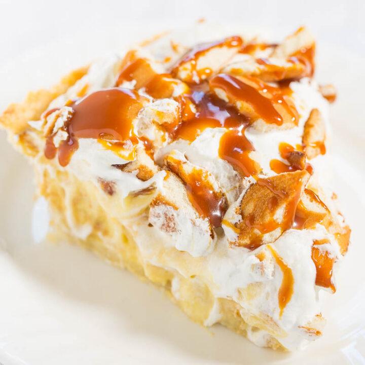 Easy Banana Cream Pudding Pie with Cream Cheese Crust