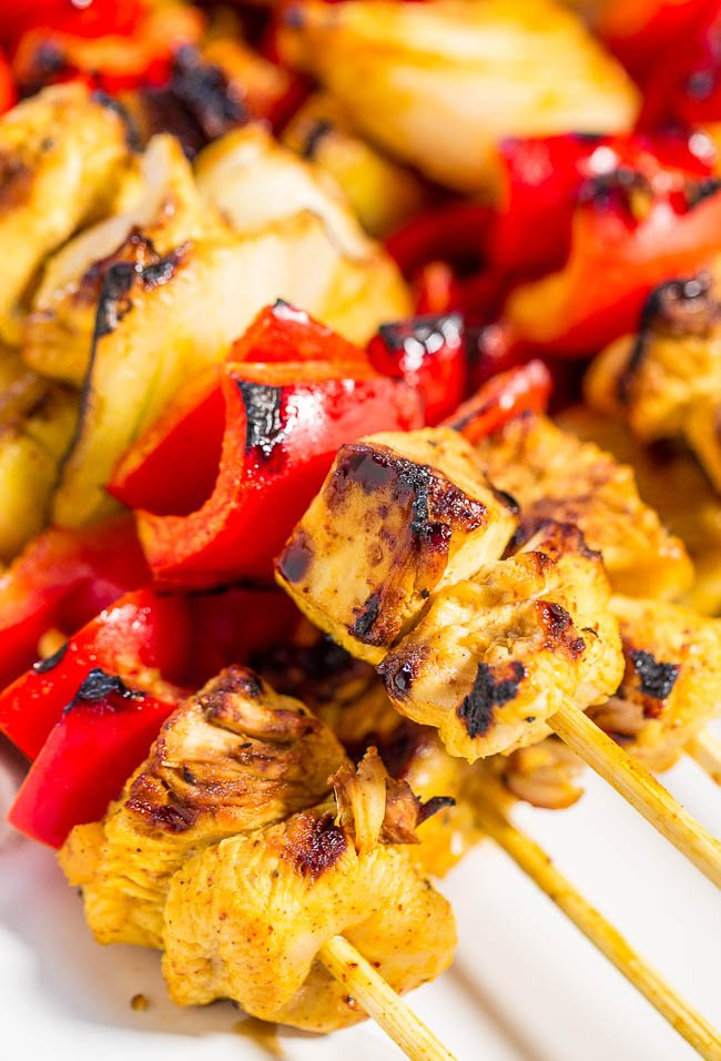 close up of honey mustard grilled chicken kabobs