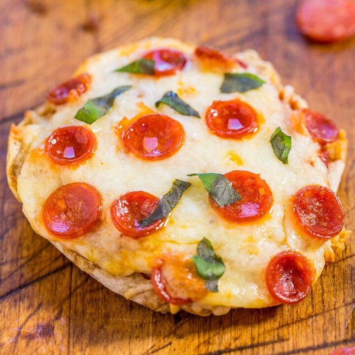 Easy Mini Pepperoni Pizzas