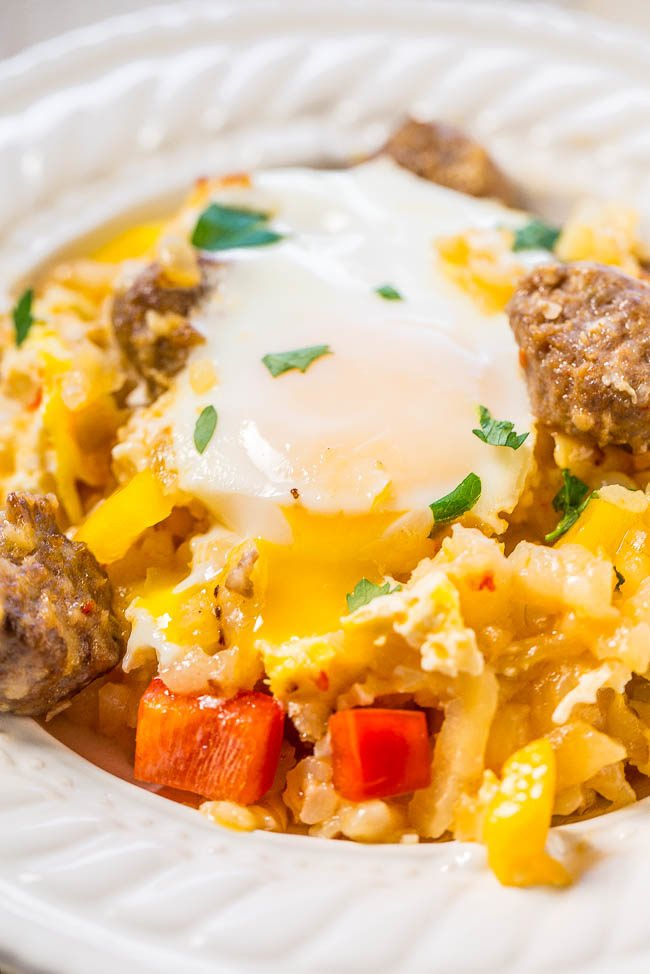 Easy Eggs, Sausage, and Hash Browns Skillet - Hearty comfort food that's worth getting out of bed for!! Great for brunch or as breakfast-for-dinner! Ready in 30 minutes and packed with big flavors!!