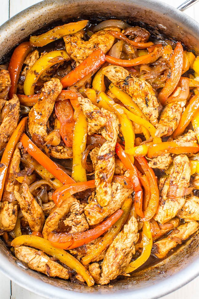 close up of easy chicken fajitas in metal skillet