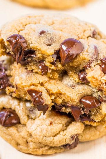 Mrs. Fields Chocolate Chip Cookies {Copycat}