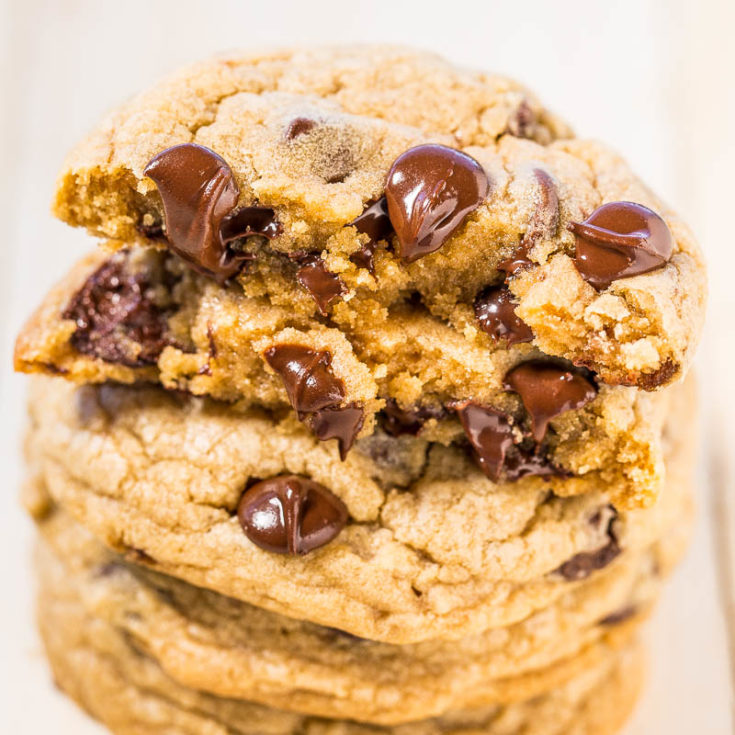 Mrs. Fields Chocolate Chip Cookies {Copycat}