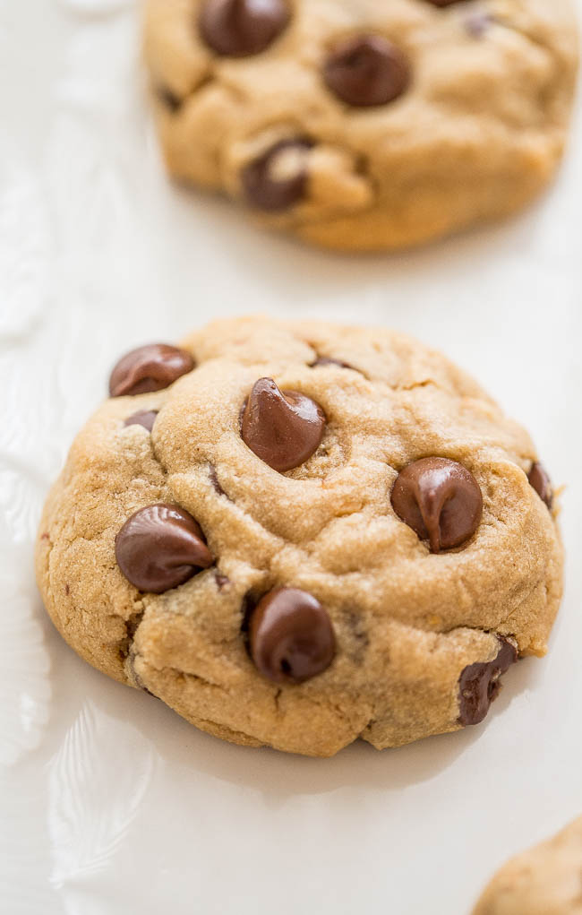 Easy Peanut Butter Chocolate Chip Cookies — Soft and chewy peanut butter cookies loaded with chocolate chips!! The combination of peanut butter and chocolate is IRRESISTIBLE!!