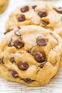 Easy Soft Chocolate Chip Cookies