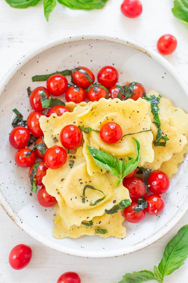 Tomato Basil Cheese Ravioli - Easy, ready in 10 minutes, and the ravioli is so wonderfully CHEESY!! The whole family will LOVE this light yet satisfying meal!!