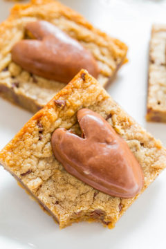 Peanut Butter Chocolate Chip Valentine's Blondies