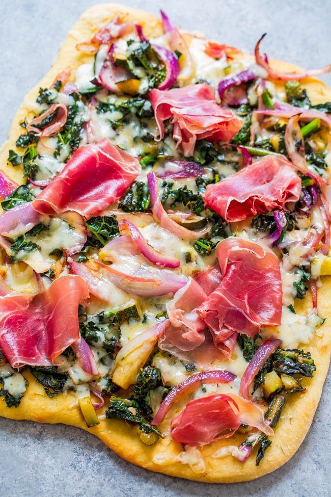 Prosciutto and Balsamic Greens Flatbread - The answer to those times you should be eating a salad but feel like pizza!! Part kale salad, part pizza, perfect for FAST weeknight dinners or EASY entertaining!!