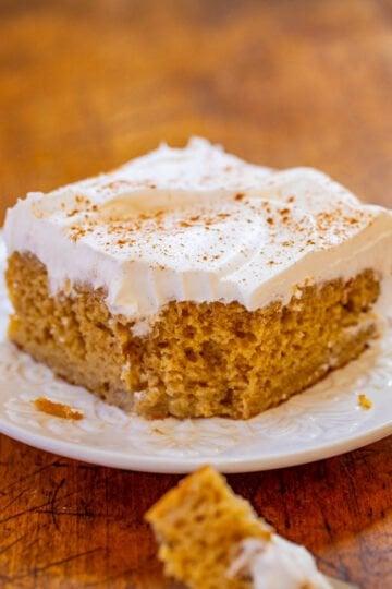 Snickerdoodle Poke Cake