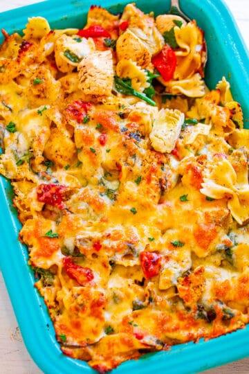Cheesy Spinach and Artichoke Chicken Pasta