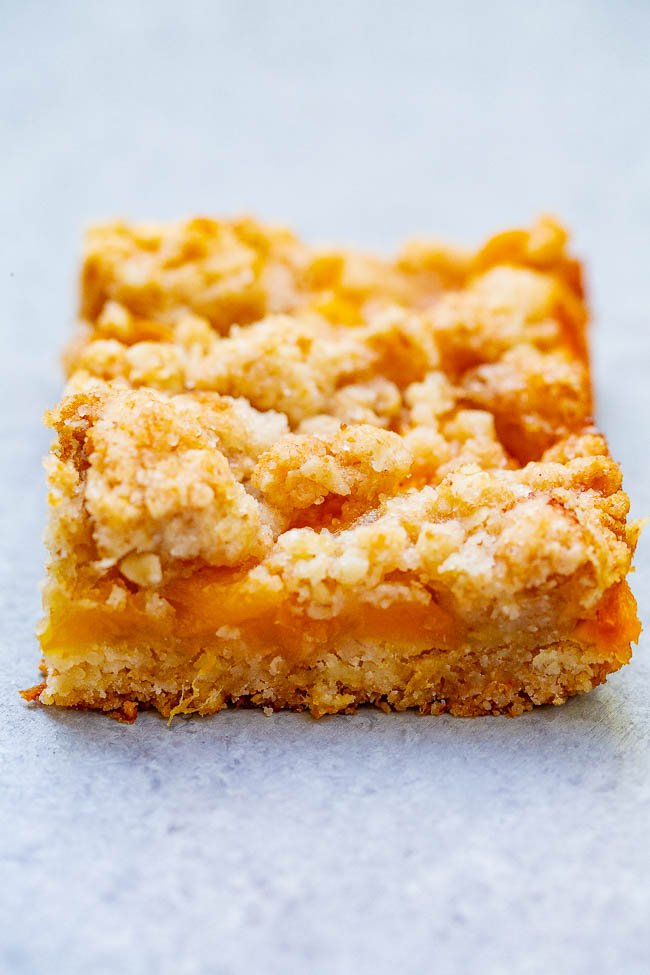 Mango Oatmeal Crumble Bars – These buttery bars are loaded with sweet fresh mango!! Just 10 minutes of prep, so EASY because the crust and crumble are one and the same, and a guaranteed family FAVORITE!!