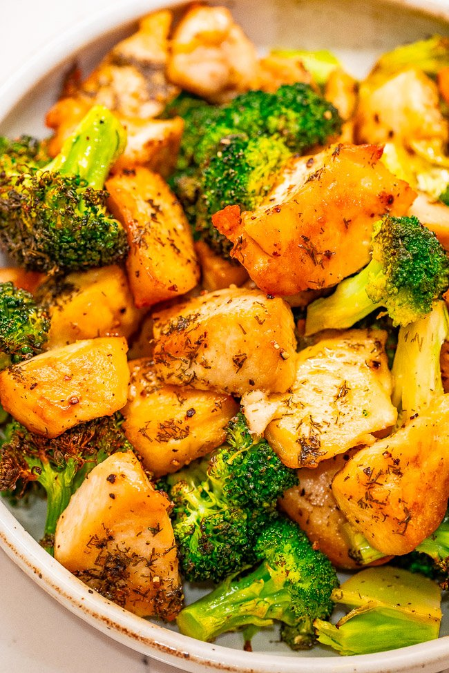 Sheet Pan Salt and Vinegar Chicken and Broccoli - If you like salt and vinegar chips, you'll LOVE this EASY chicken recipe with the same flavor profile that's ready in 15 minutes!! Juicy chicken, crisp-tender broccoli, and a PERFECT salt and vinegary tang!!