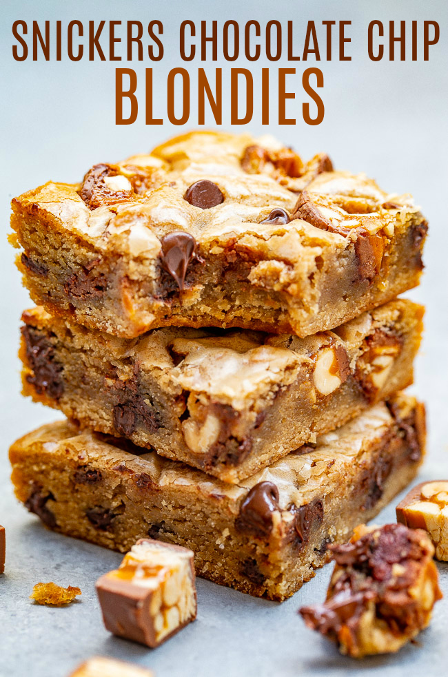 Snickers Chocolate Chip Blondies - Soft, chewy, EASY no-mixer blondies made in one bowl with chunks of Snickers and chocolate in every bite!! A guaranteed family FAVORITE!!