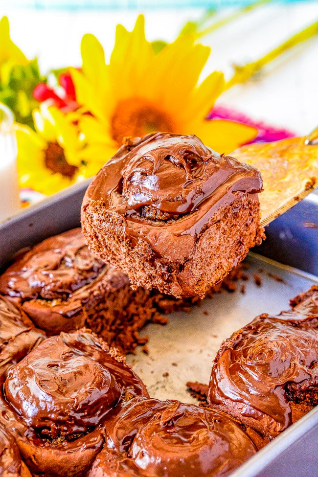 Chocolate Cinnamon Rolls - This ultra chocolaty twist on classic cinnamon rolls is made with doctored up chocolate cake mix and oodles of chocolate frosting!! Soft, tender, fluffy, and EASY!!Calling all chocaholics, these are for YOU!!